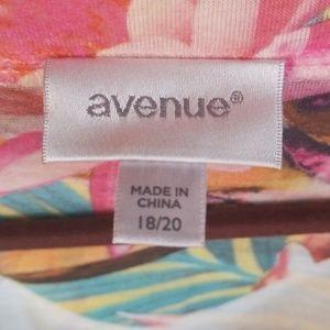 Avenue Tops - Avenue tee